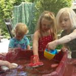 Kinderopvang Poppejans Groningen - spelen met water